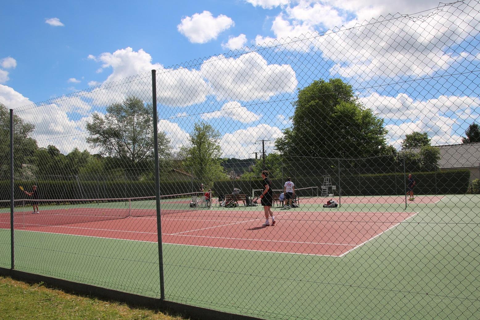 Courts de tennis ext et couvert